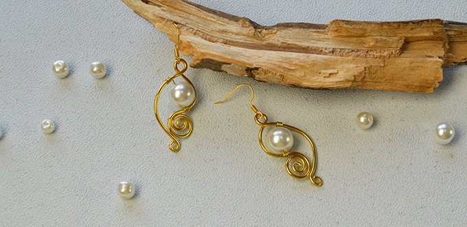 diy-easy-drop-earrings-with-golden-aluminum-wires-and-white-pearl-beads680330